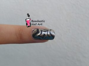 Star Chrome Metallic Nails