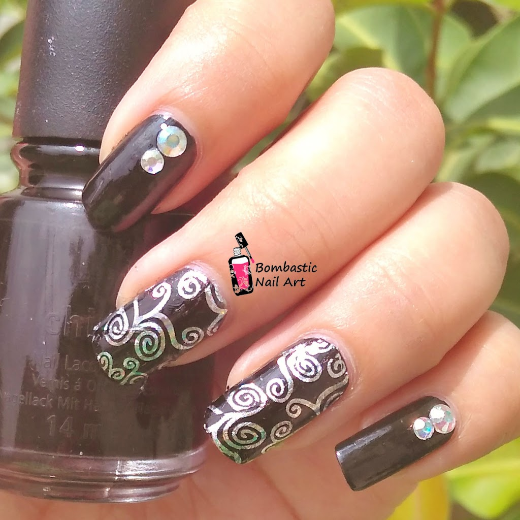 How to apply holographic laser silver lace transfer foil nail art 2017 bombastic nail art - Foil nail art ...