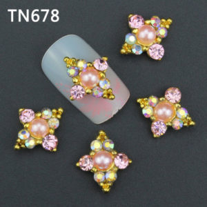 Golden Pearl 3D Rhinestone Alloy Metal Nail Art Accessories TN678